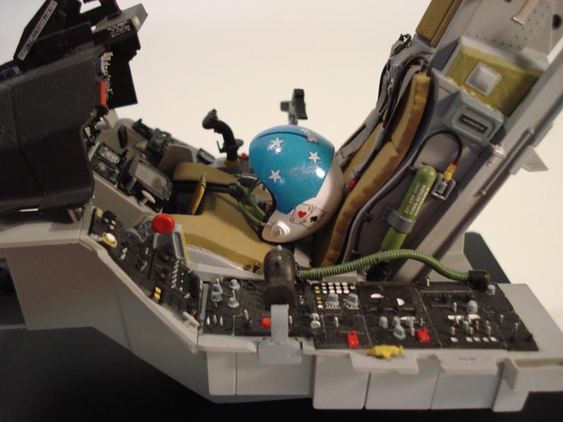 F-16 Cockpit – ESCI 1/12