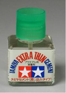 tamiya-extra-thin-glue1